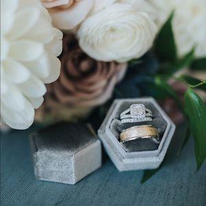 Grey Hexagonal 2 slot ring box